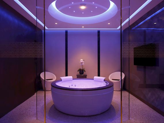 private suite spa